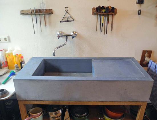 waschbecken-beton.jpg