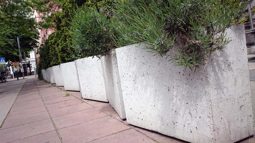 Beton im Garten.jpg