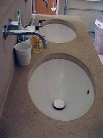 Doppelwaschbecken Beton.jpg