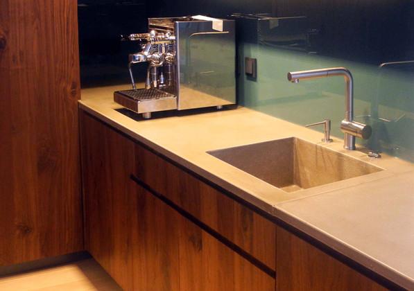 küchenarbeitsplatte-mit-waschbecken-beto
