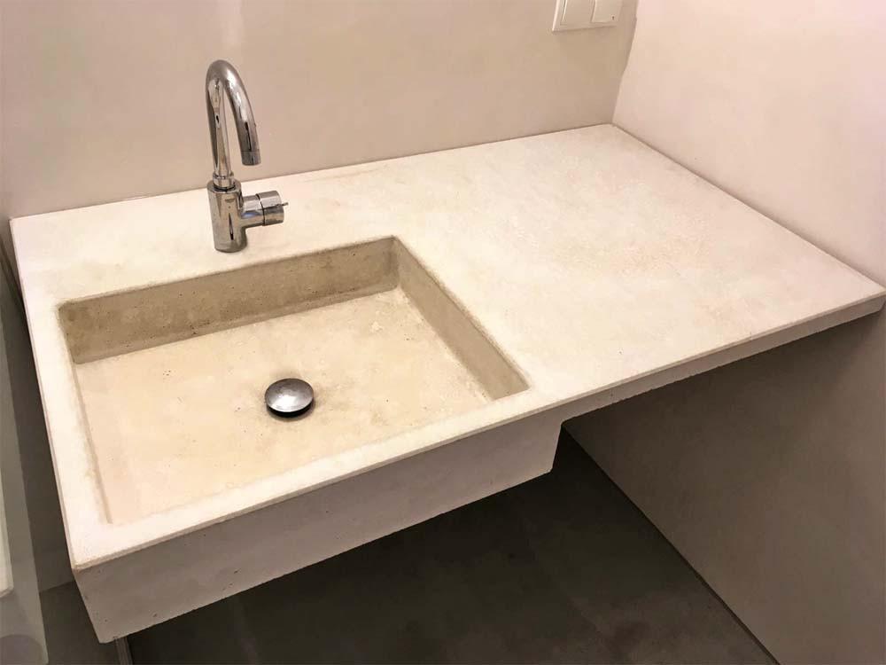 betonwaschbecken-bad.jpg