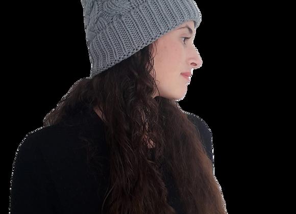 כובע צמות אפור פונפון
