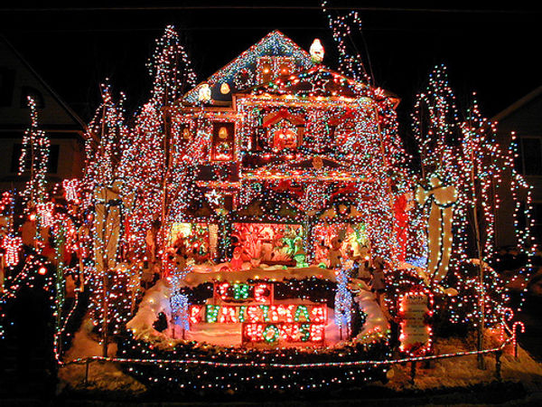 53940-Over-The-Top-Christmas-Decorations