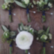 Navy & white wedding #boutonnière #ranun