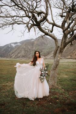 utah white wedding bouquets