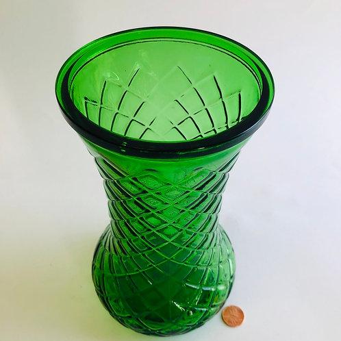 Green Glass Diamond Pattern Arrangement Vase