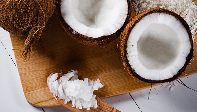Coconut oil and the skin / Kokosöl und die Haut
