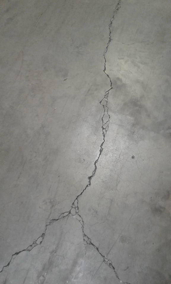 Cracked coldroom Before