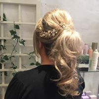 paisley hair up .jpg