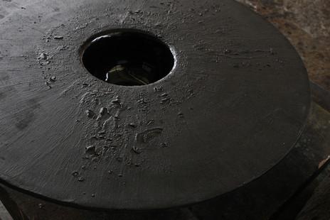 Ufo, Rough black ceramic / Ø400 x 120 mm