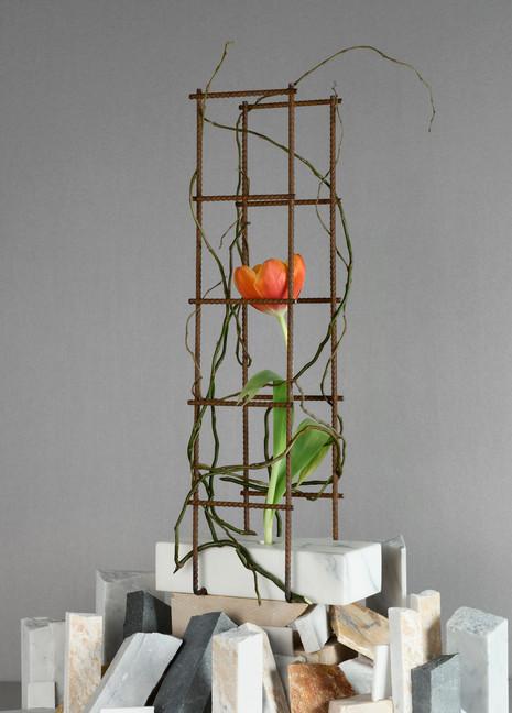Perpetua, vase #2 / h50 l10 w20 cm