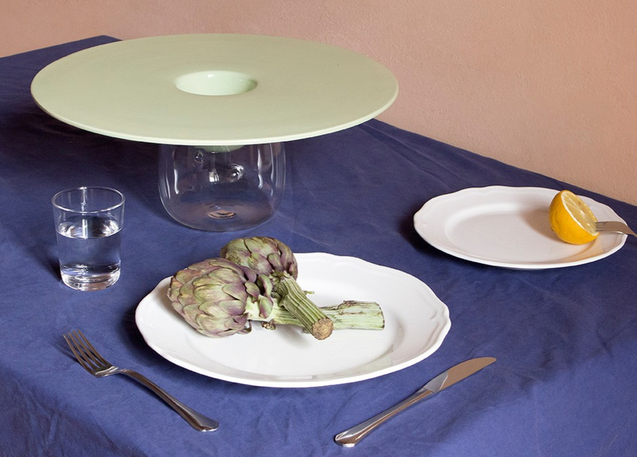Ufo - Glazed ceramic in light green   Ø400 x 120 mm