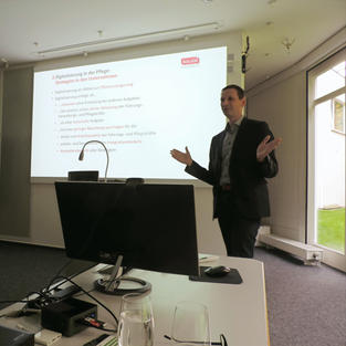 Prof. Peter Bleses (iaW Bremen)