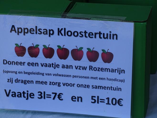 Oogstfeest 18, Rozemarijn appelsap.jpg