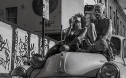 Singer-on-a-Car