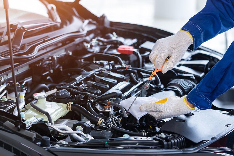 professional-mechanic-uniform-is-check-q