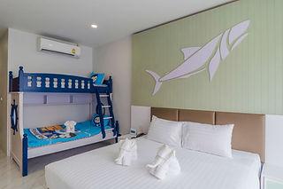 Deluxe Bunk Bed Room