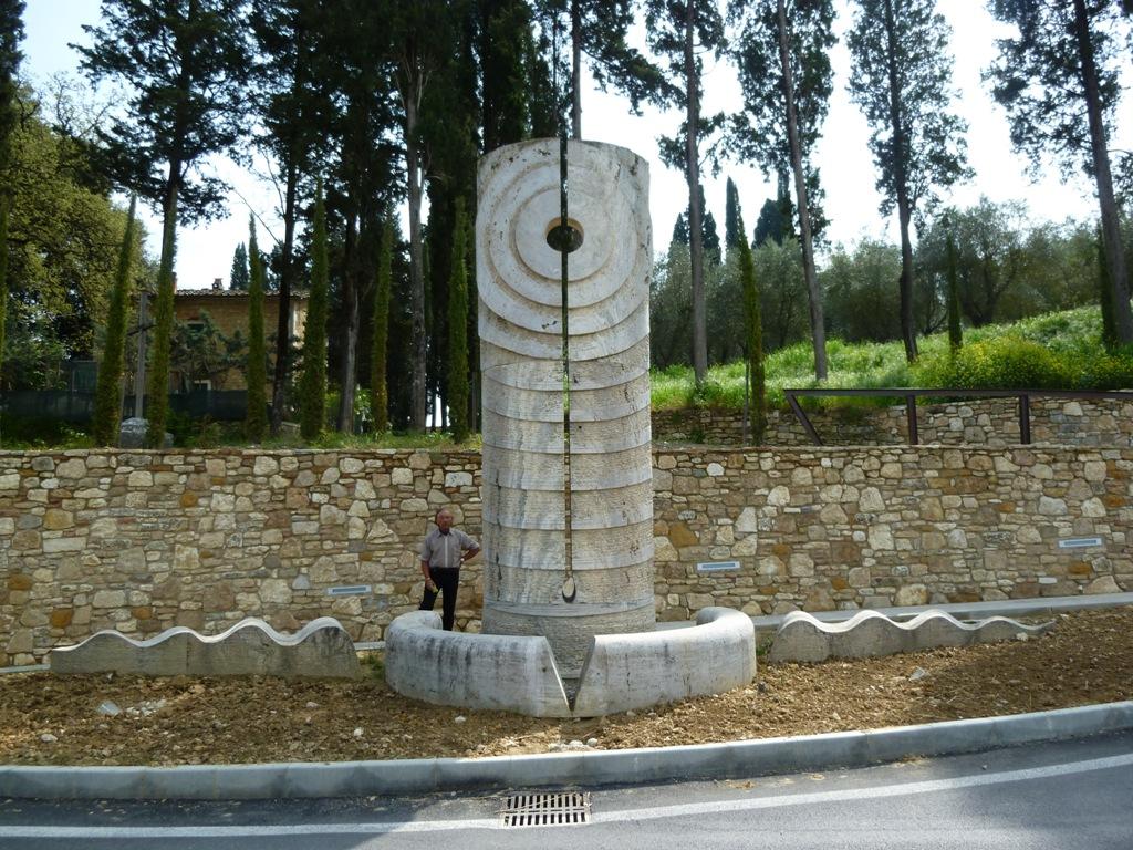 2002 「水輪」高さ5m