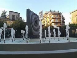 2015年「水輪」制作  2017年ベルパッソ市役所前広場設置