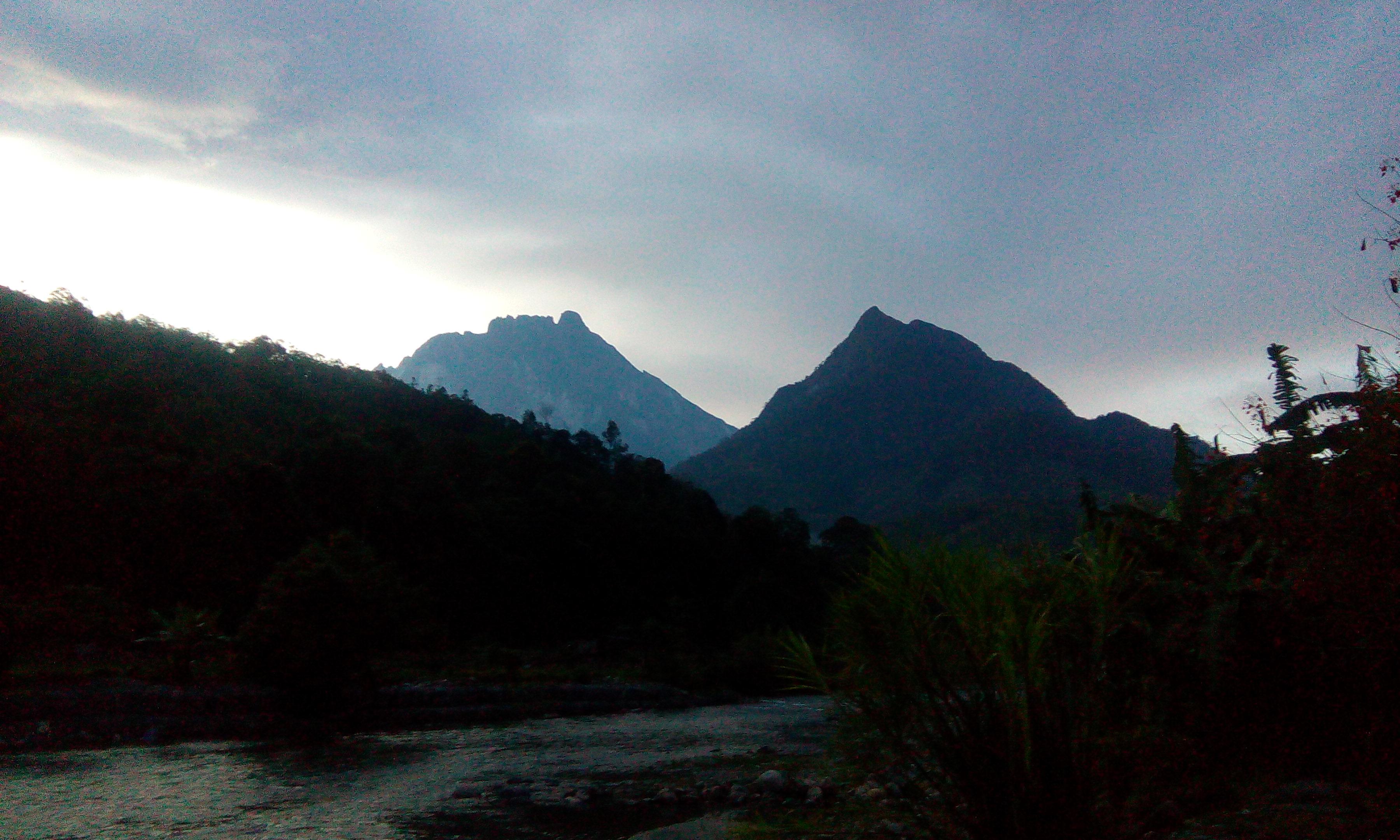 Mt Kinabalu Vs Mt Tambayukon