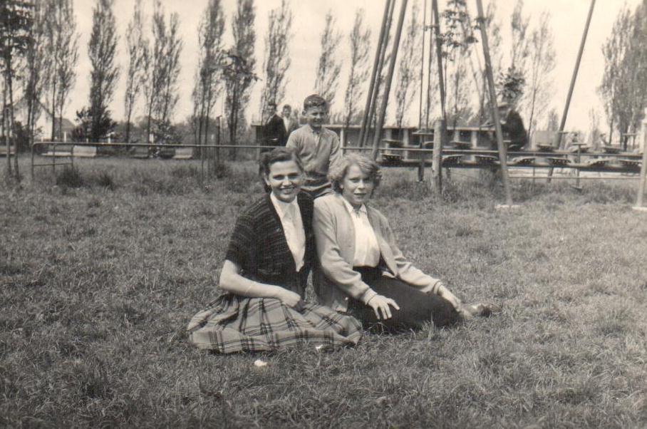 1953 roza mathys voor boten.jpg