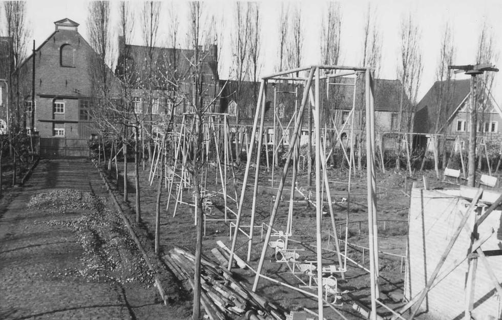 1960.00.00 Dadizele - Speelplein (1).jpg