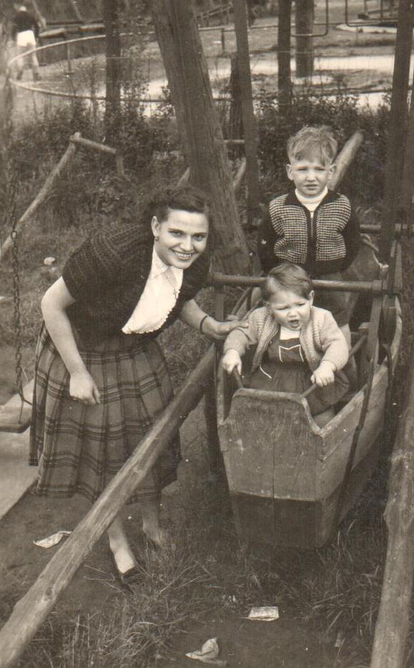 1953 roza mathys bij schuit r mathys.jpg