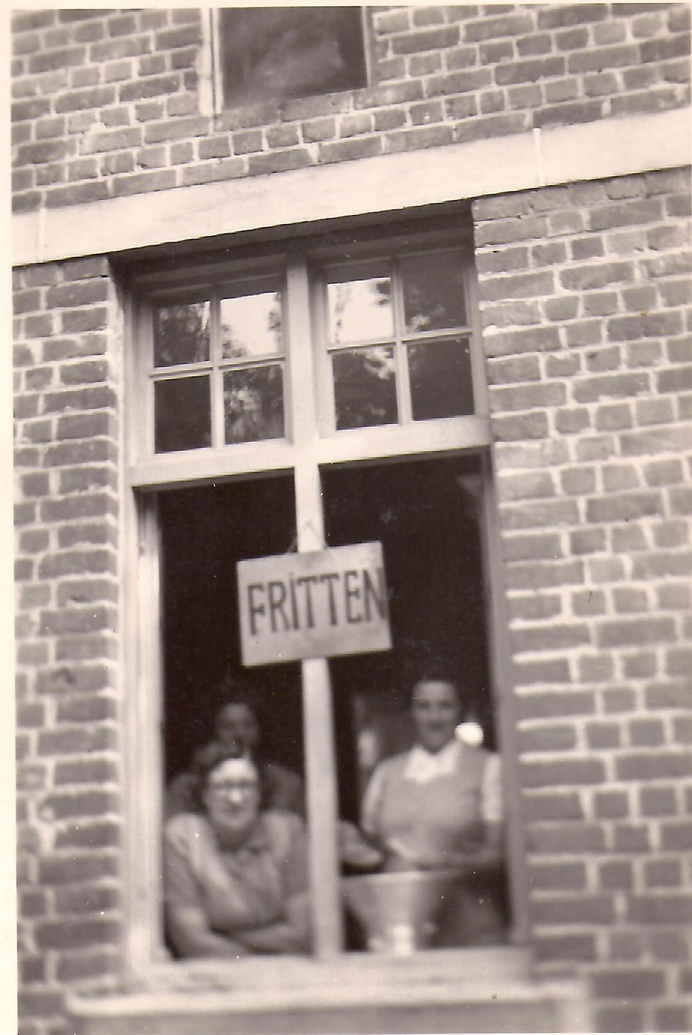 Frietkot met Suzanne Loyson en Jeanne Sc