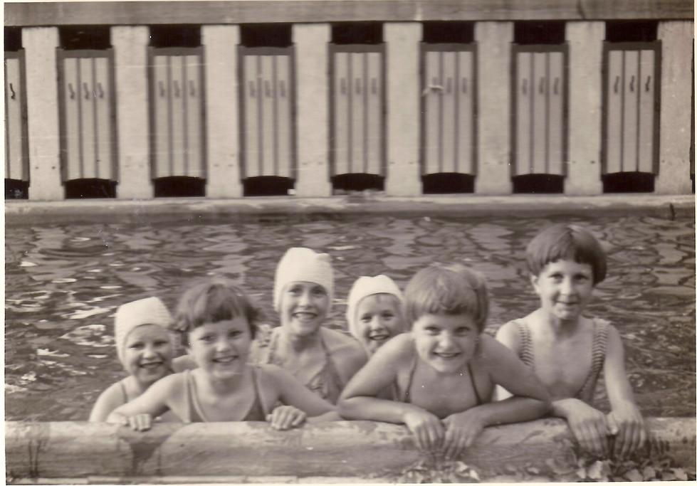 zwembad meisjes Bekaert 1959 Erna Bekaer