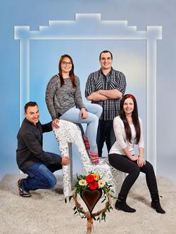 022_Familienbild_Geschwister OBERLEITNER3543