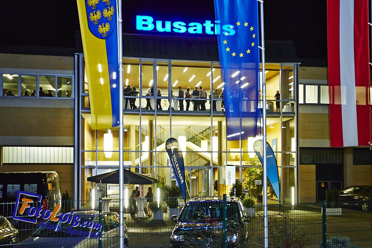 203_VB-Tour_Busatis beleuchtet