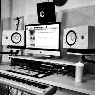 EARLY OK MIXING DESK