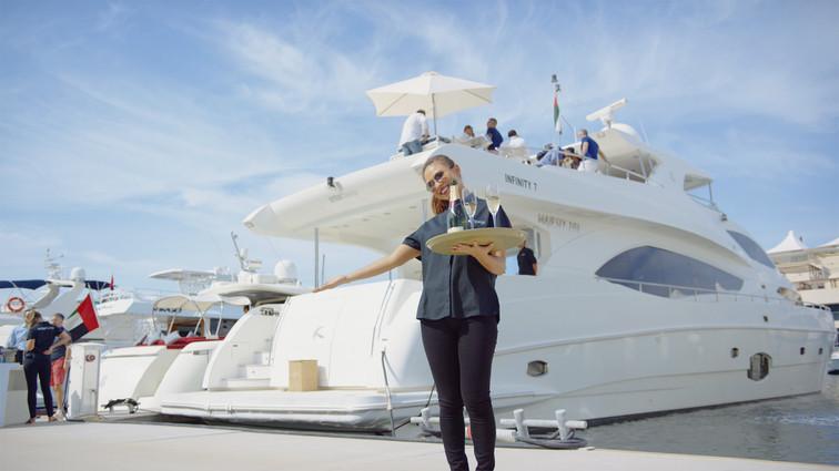 Amber-Lounge-Abu-Dhabi-yacht-5.jpg
