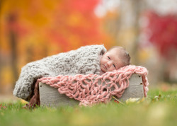 Detroit Outdoor newborn Photographer