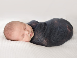 How to prepare for your Newborn Session? | Grosse Pointe Newborn Photographer