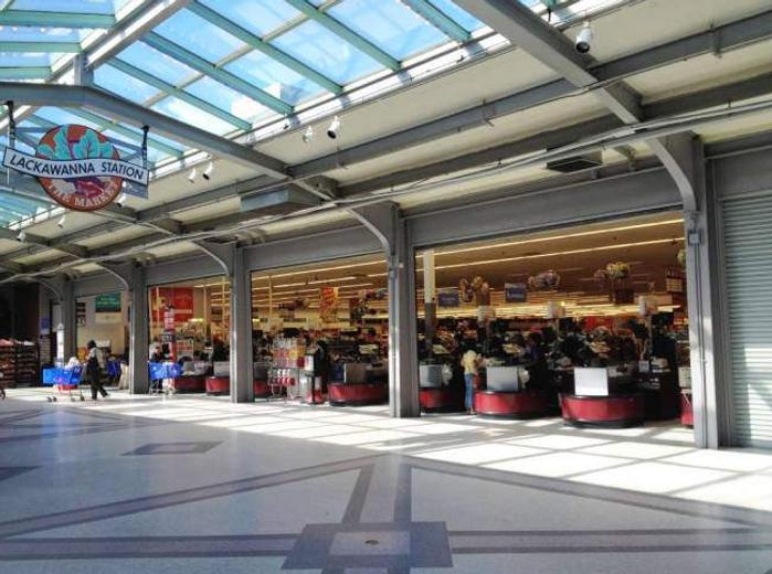 Lackawanna Plaza Safeway, with Floor Des