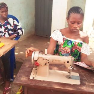 Pour que les jeunes filles de la rue aient accès aux mêmes droits que les autres jeunes filles!