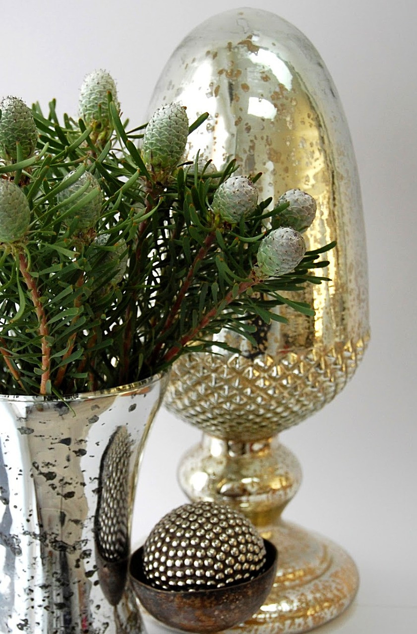 новый год серебро шишки декор