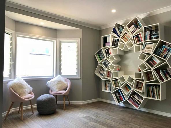 Дизайнерская инсталляция книжных полок своими руками: от интернет-картинки до воплощения