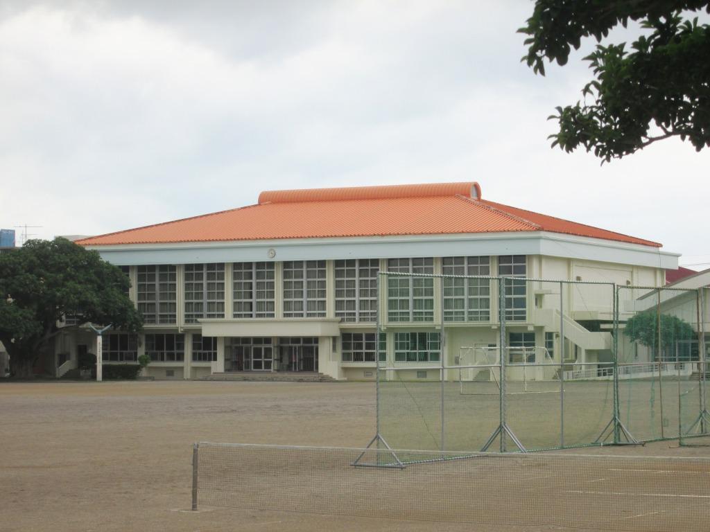 八重山高校(体育館)外壁補修工事