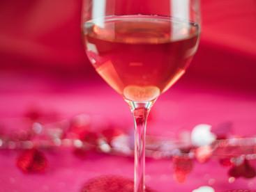 Celebrar o amor com vinho