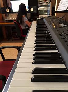 Acoustic Comunicación cuenta con talentosos productores musicales y músicos profesionales.