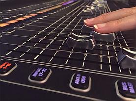 Acoustic Comunicación ofrece salas de grabación de última generación.