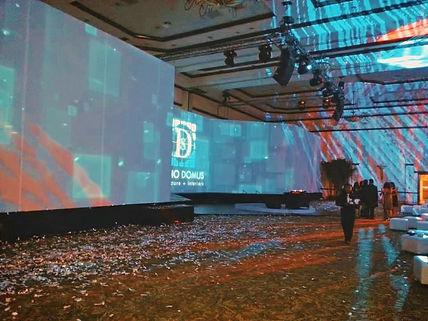 Acoustic Comunicación es streaming live video en múltiples formatos y plataformas.