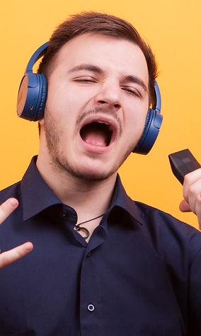 Luce tu talento con pistas karaoke