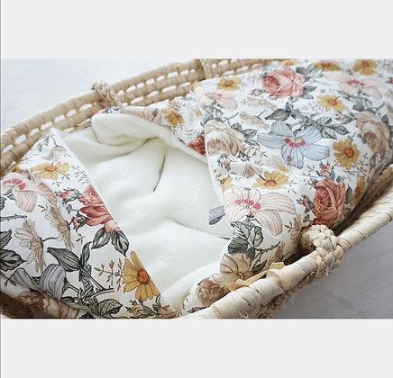 Einschlagdecke Vintage Blumen / Fleece creme