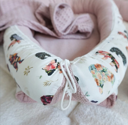 Babynest Blumenbär / Strickoptik altrosa