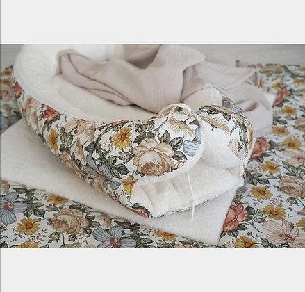 Babynest Vintage Blumen / Frottee creme