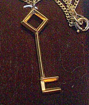 Vintage 12k Gf Religious Necklace Catholic Keys To Heaven