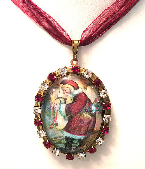 Vintage Santa Red Rhinestone Cameo Locket Christmas Remembrance Ornament Jewelry